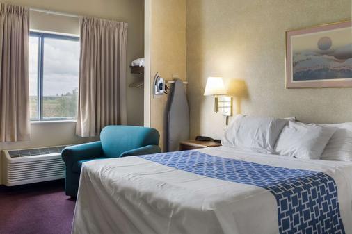 Rodeway Inn - Wahpeton - Bedroom