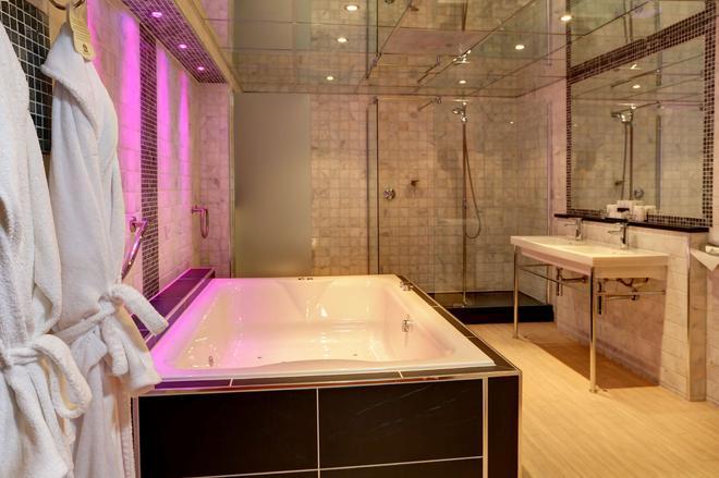 Best Western Premier Doncaster Mount Pleasant Hotel - Doncaster - Bathroom