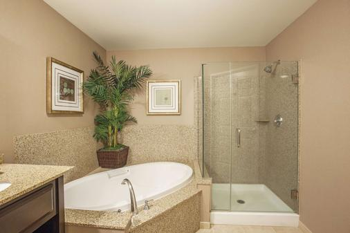 La Quinta Inn & Suites by Wyndham Paso Robles - Paso Robles - Phòng tắm