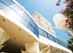 Hotel Tiffany & Resort - Cesenatico - Rakennus