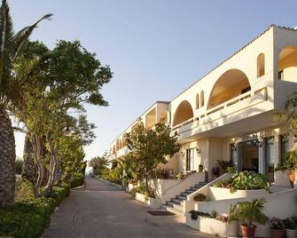 Marinos Beach Hotel-Apartments - Adelianos Kampos - Building