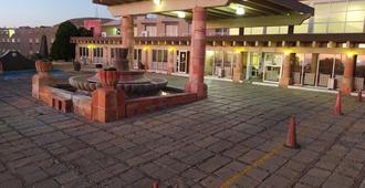 Hotel Parador - סקטקאס