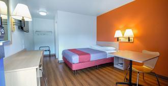 Motel 6 Kelso Mt St Helens - Kelso - Bedroom