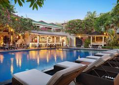 Sagara Villas And Suites - Denpasar - Uima-allas
