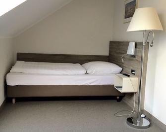 Hotel Schweizer Hof Kassel - Kassel - Camera da letto