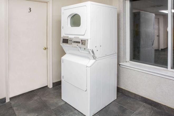 Knights Inn Pasco Wa/King City - Pasco - Laundry facility