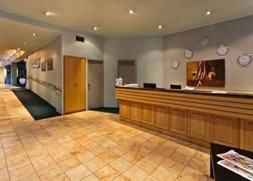 Quality Hotel Manor - Melbourne - Vastaanotto