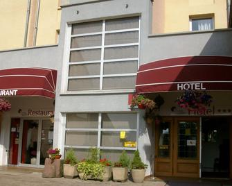 Hotel Au Logis Des Ours - Belfort - Gebouw
