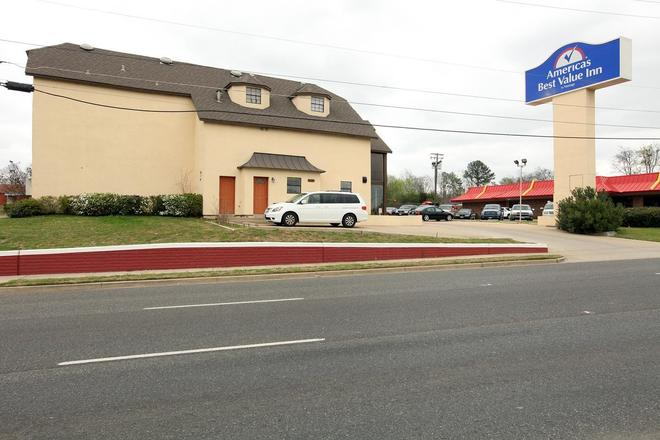 Americas Best Value Inn Longview - Longview - Rakennus