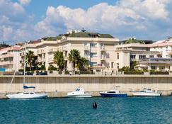 Best Western PLUS Hotel Perla del Porto - Catanzaro - Rakennus