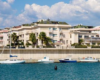 Best Western PLUS Hotel Perla del Porto - Catanzaro - Edificio