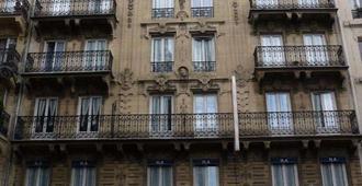Hotel Altona - Paris - Building