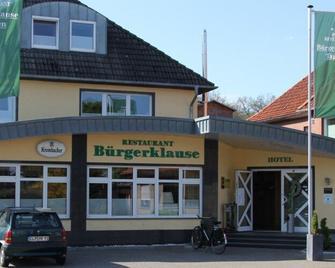 Hotel Restaurant Burgerklause Tapken - Garrel - Building