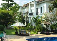 Vimean Sovannaphoum Resort - Battambang - Pool