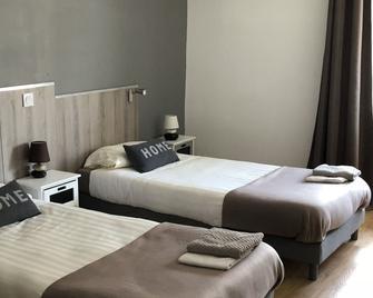 Hôtel Le Saint Amand - Saint-Amand-Montrond - Bedroom