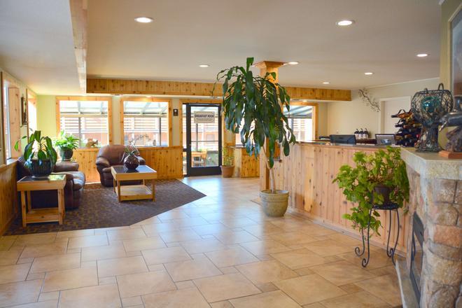 SureStay Plus Hotel by Best Western Gold Beach - Gold Beach - Front desk