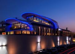 Radisson Blu Hotel, Kuwait - Kuwait-Stadt - Gebäude