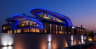 Radisson Blu Hotel, Kuwait - כווית סיטי