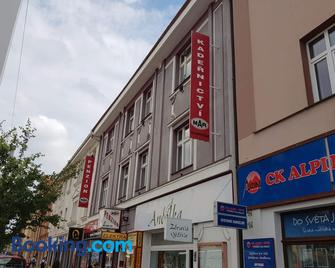 Penzion Mar - Hradec Králové - Gebouw