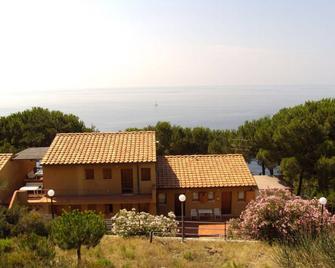 Residence La Calle - Campo nell'Elba - Building
