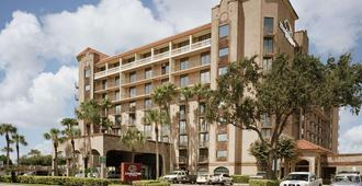 Doubletree Suites By Hilton Hotel Mcallen - מק'אלן