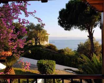 Villa Anna Maria - Platanias - Outdoors view