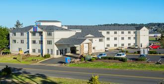 Motel 6 Newport Or - Newport - Building