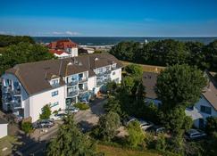Hotel & Restaurant Seebrucke - Zingst - Bygning