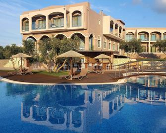 Elegance Luxury Executive Suites-Adults Only - Tragaki - Pool