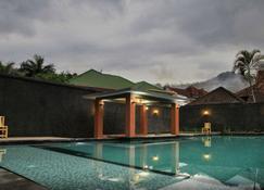 Puri Senggigi Hotel - Senggigi - Pool