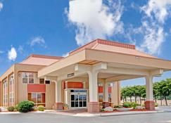 Ramada by Wyndham West Memphis - West Memphis - Rakennus