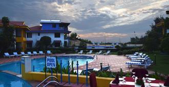 Baywatch Resort - Colva - Piscina