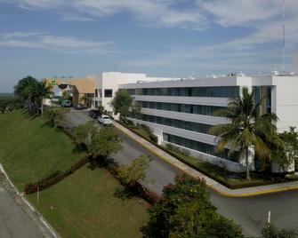 Holiday Inn Villahermosa Aeropuerto - Villahermosa - Building