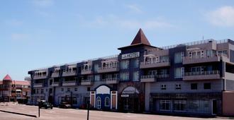 Swakopmund Plaza Hotel - Swakopmund - Toà nhà
