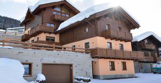 Residence Baita Cusini - ליביניו - בניין