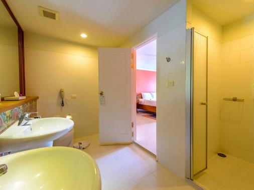 Andaman Seaview Hotel - Karon - Bathroom