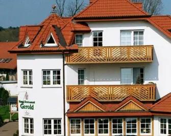 Hotel Restaurant Gerold - Падерборн - Building