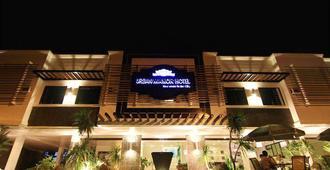 Urban Manor Hotel - Roxas City