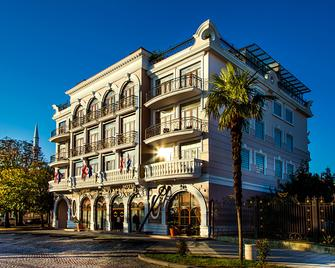 The Admiral Hotel - Batum - Edificio