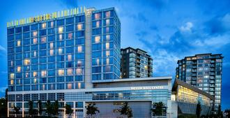 The Westin Wall Centre, Vancouver Airport - Richmond - Building