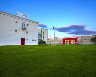 Glemerald Hostel - Pula - Building