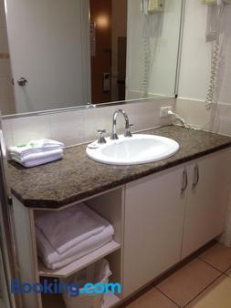 Albury Regent Motel - Albury - Bathroom