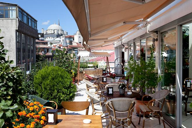 Niles Hotel Istanbul - Special Class - Istanbul - Balcony