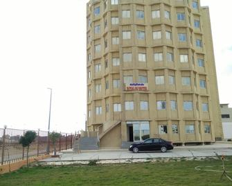 Royal Nj Hotel - Borg El Arab - Building