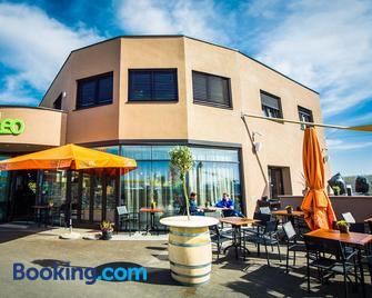 Cafe-Restaurant Leo - Kalsdorf bei Graz - Edificio