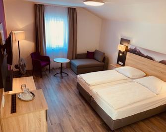 Pension Lindenhof - Grasbrunn - Bedroom