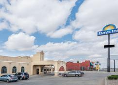 Days Inn by Wyndham Pueblo - Pueblo - Building