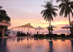潘瓦雲19 飯店 - 維奇特 - 游泳池