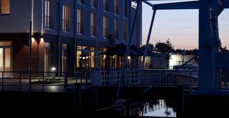 Park Inn Papenburg - Papenburgo - Edificio