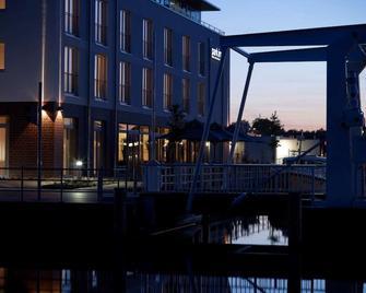 Park Inn Papenburg - Папенбург - Здание